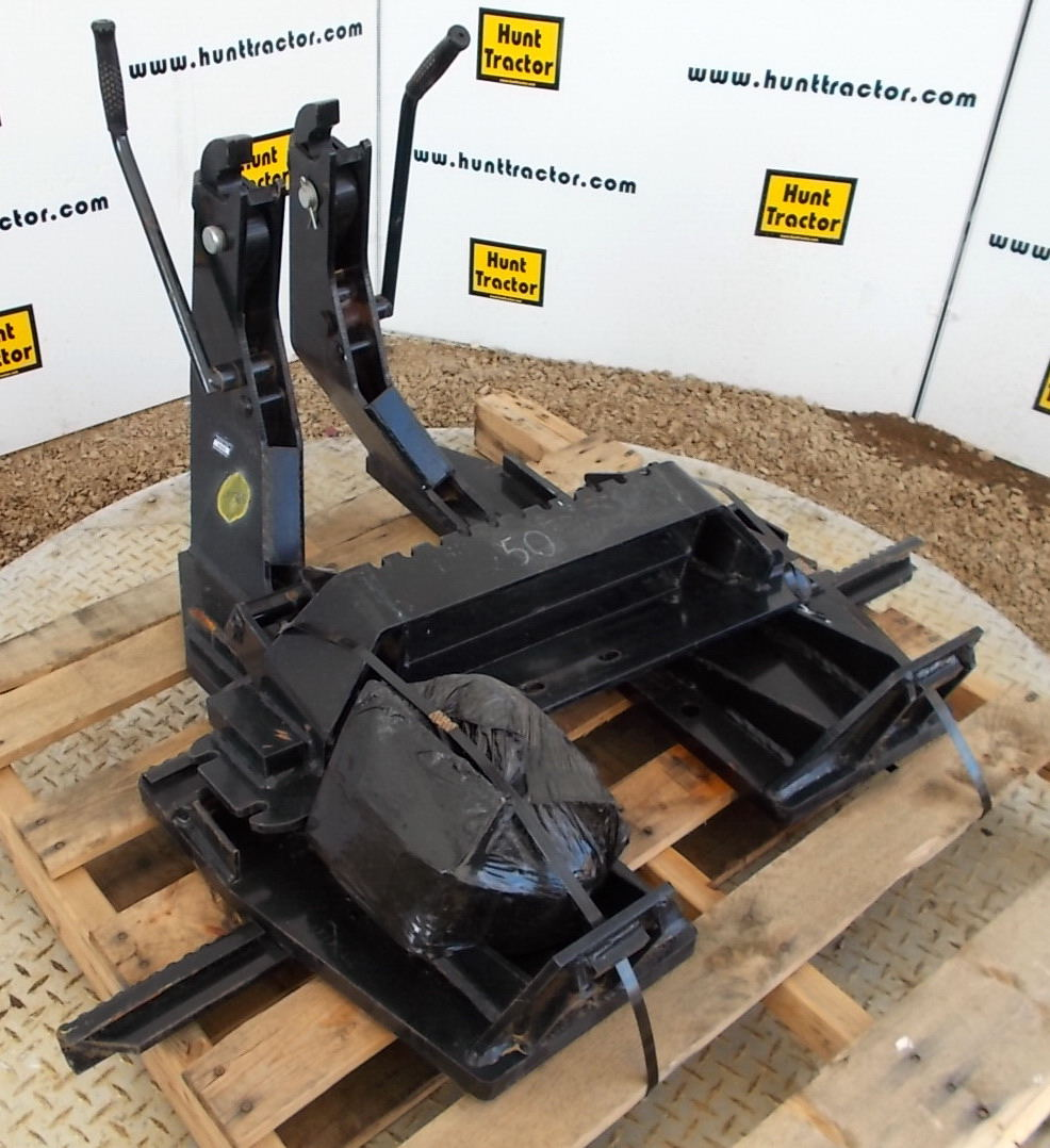 45565- Bradco Backhoe Attachment Mount for Skidste