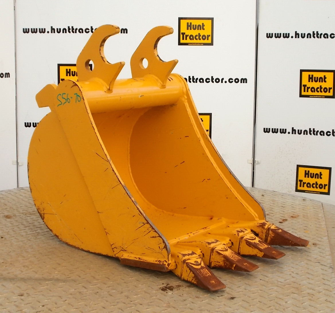 46230-18in John Deere QC Bucket-1