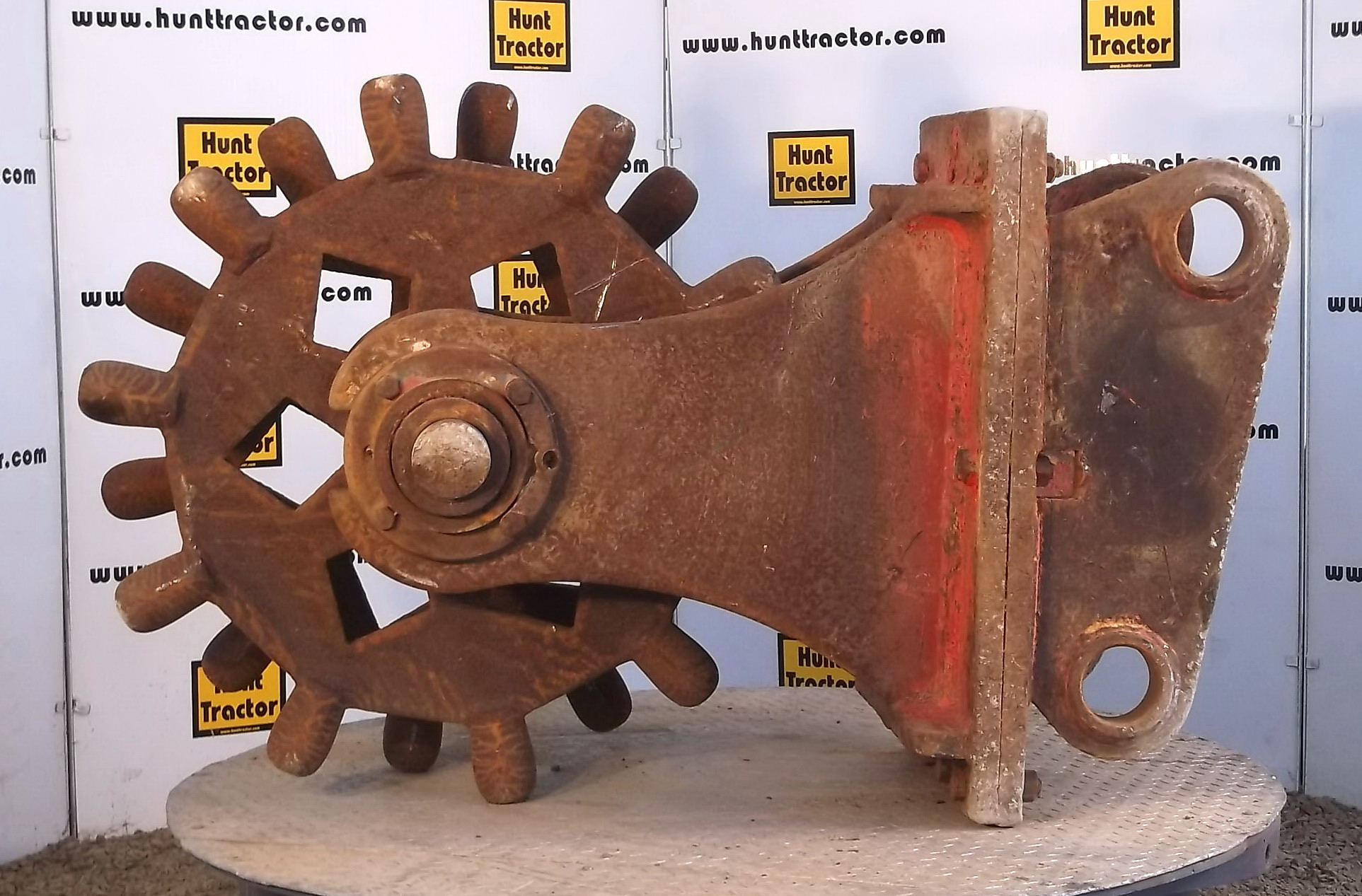 42809-24in JD 350DLC Compaction Wheel-1
