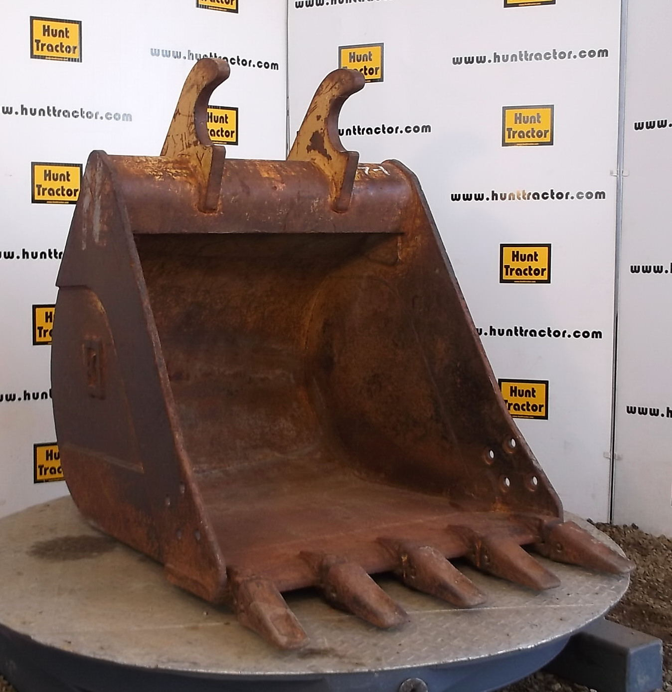 46810-36in Bucket with Balderson Lugging for Cat 3