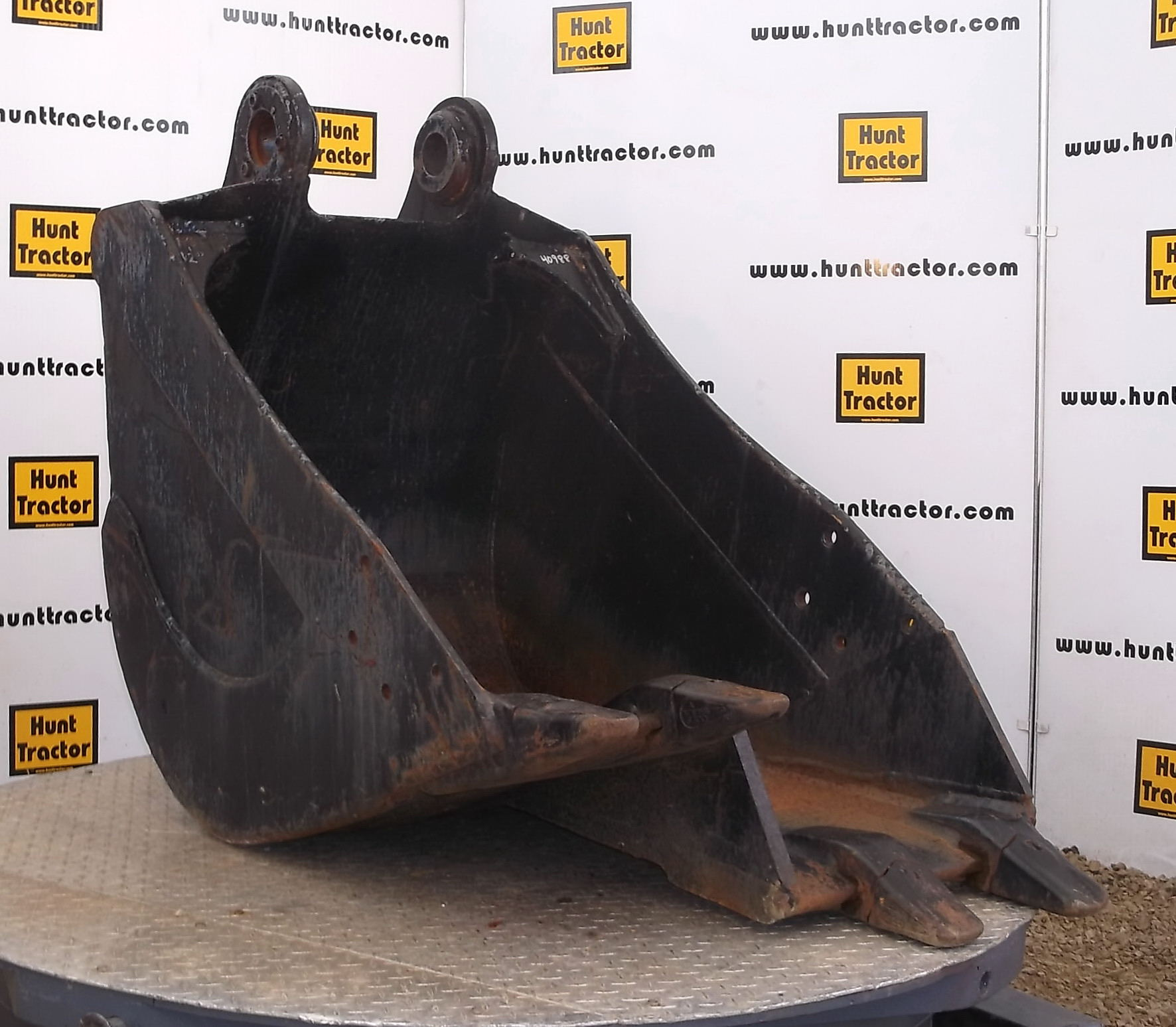 40988-32in Step Bottom Bucket for Kobelco SK120-1