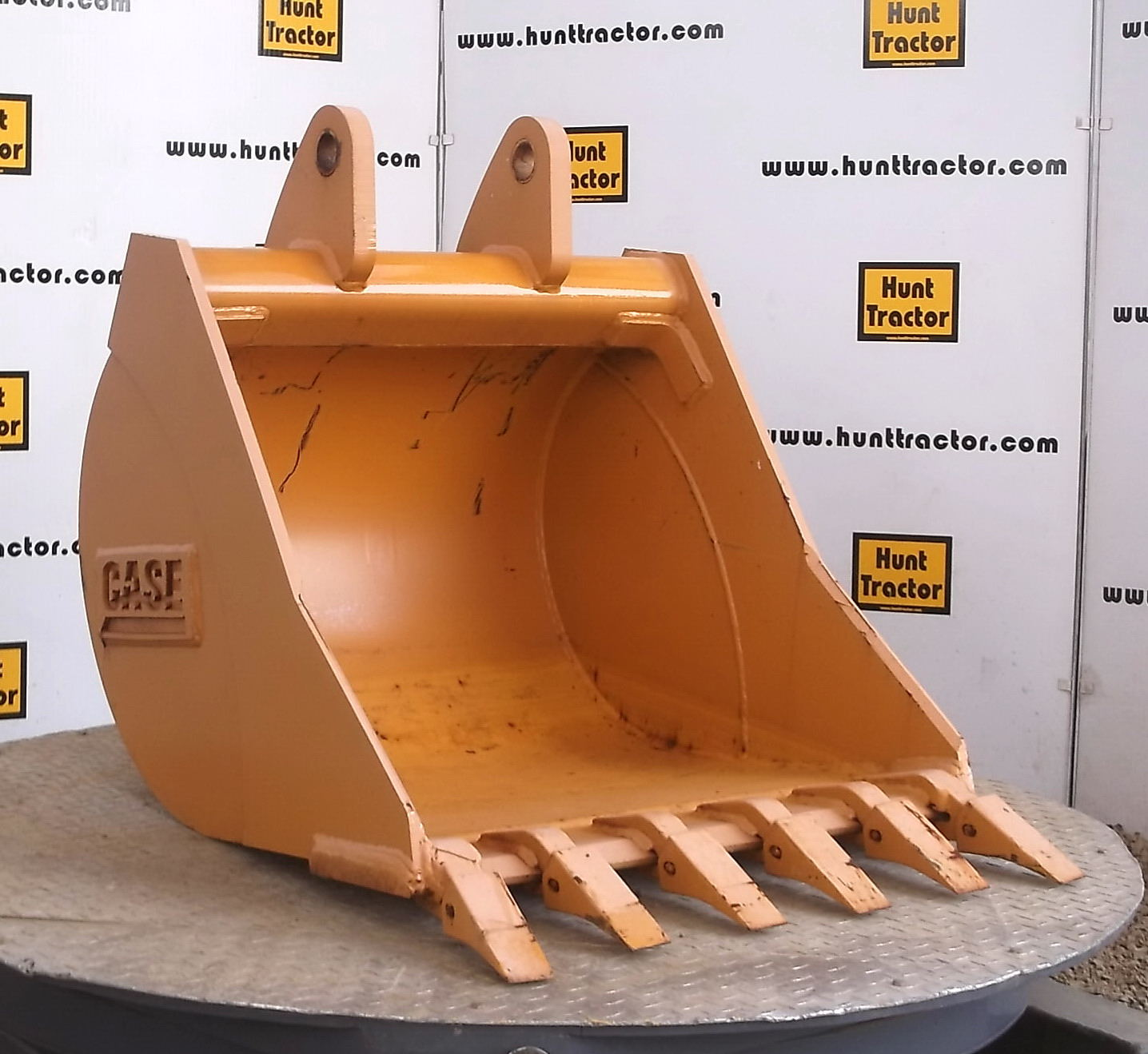 47191-30in Case 590L Bucket-1