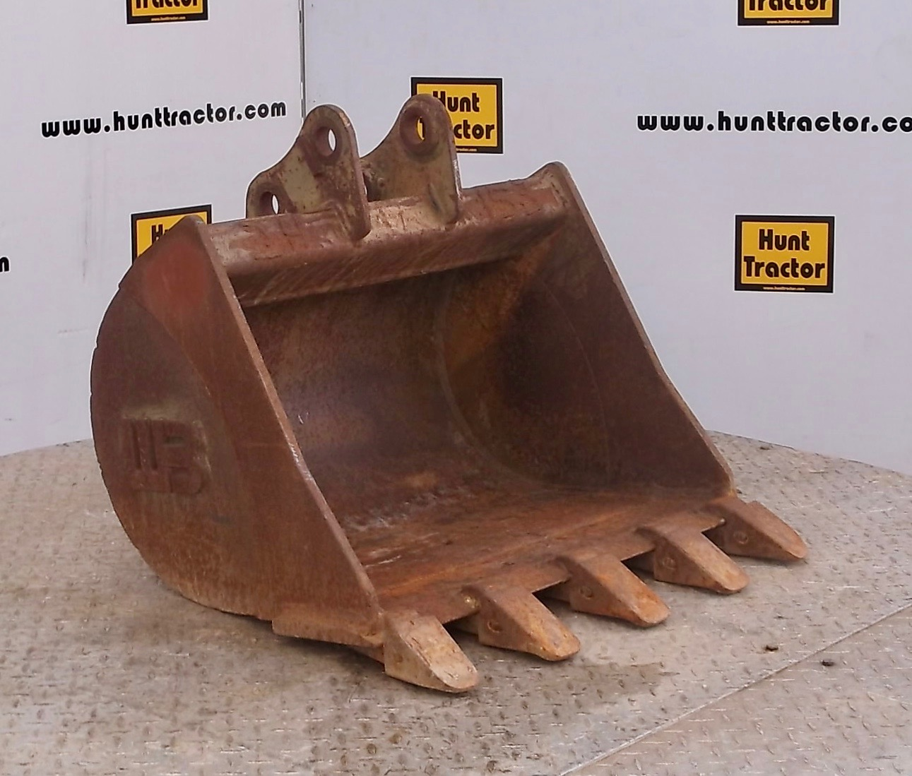 47843-24in Mini-Excavator Bucket-1