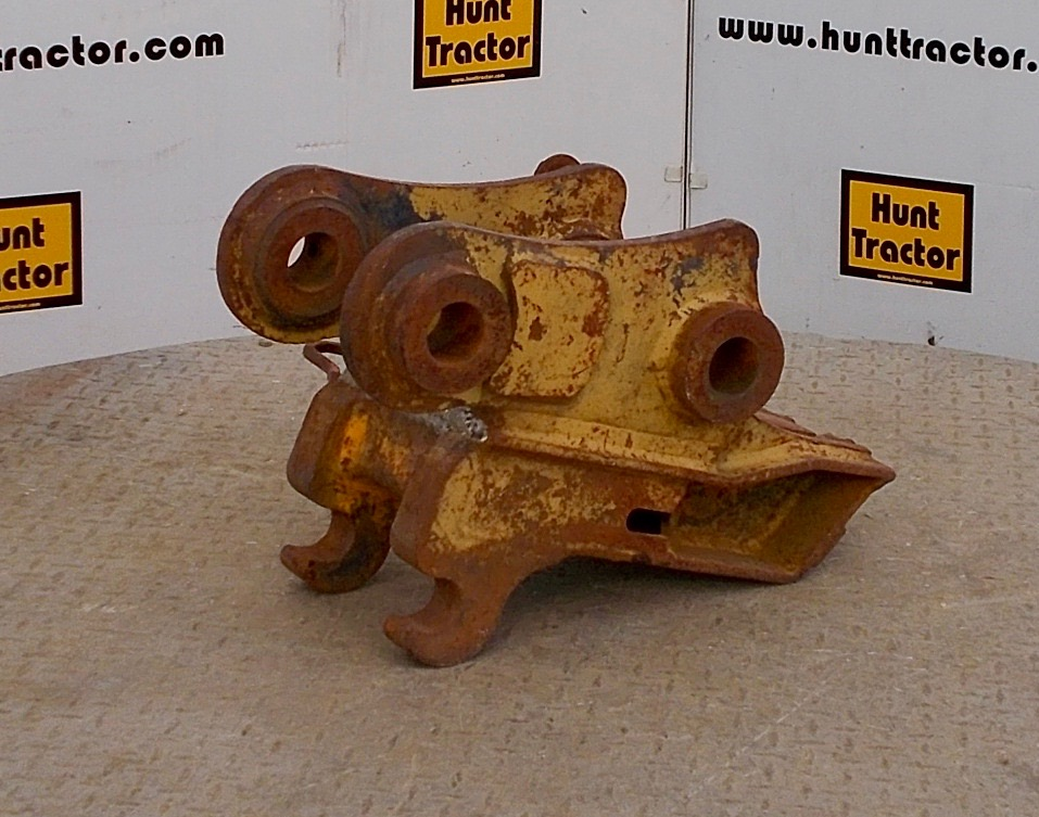 Kubota Tractor Quick Couplers : Used kubota kx manual pin grabber quick change for sale