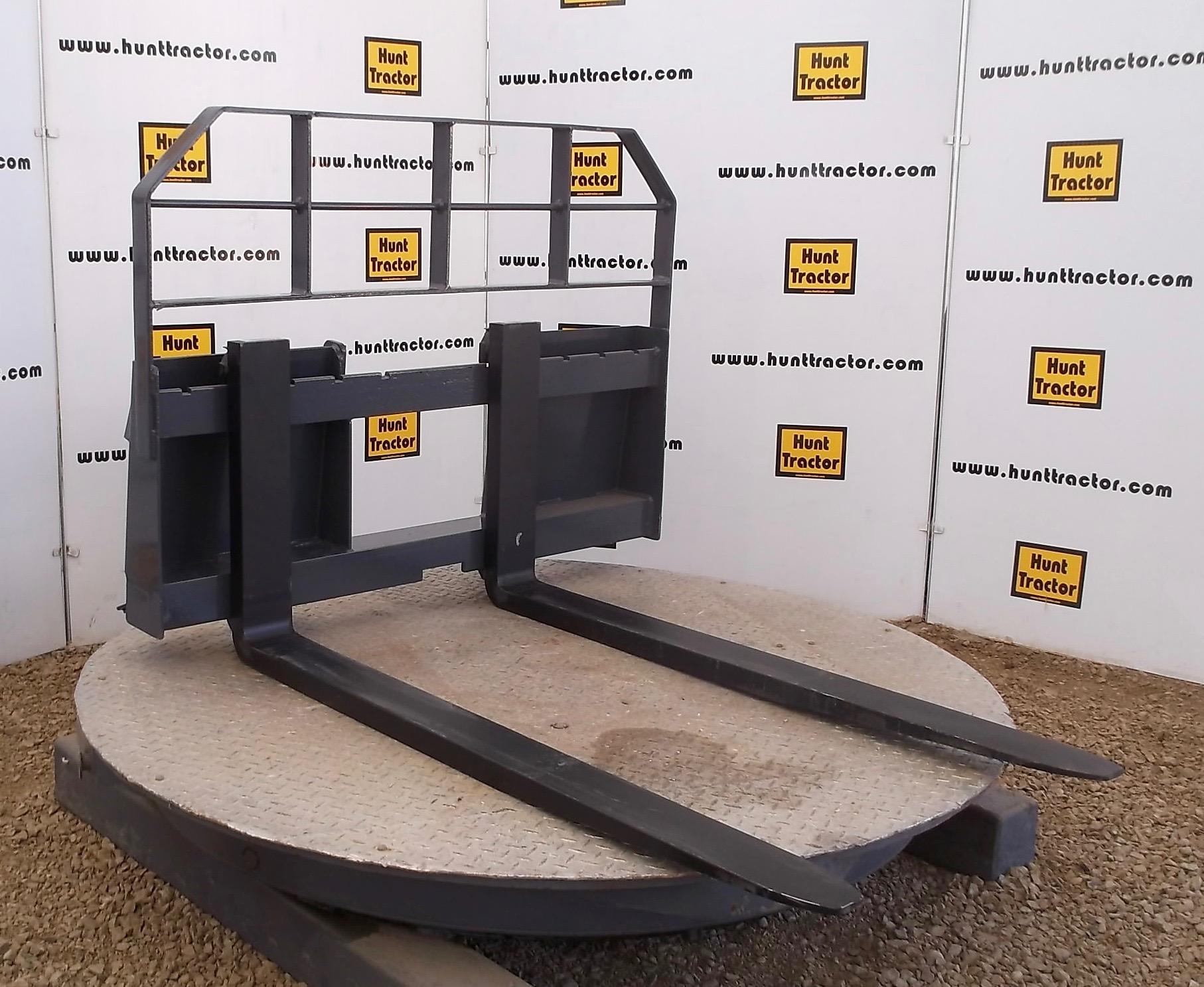 New 4,500 lb Universal Skid Steer Forks For Sale