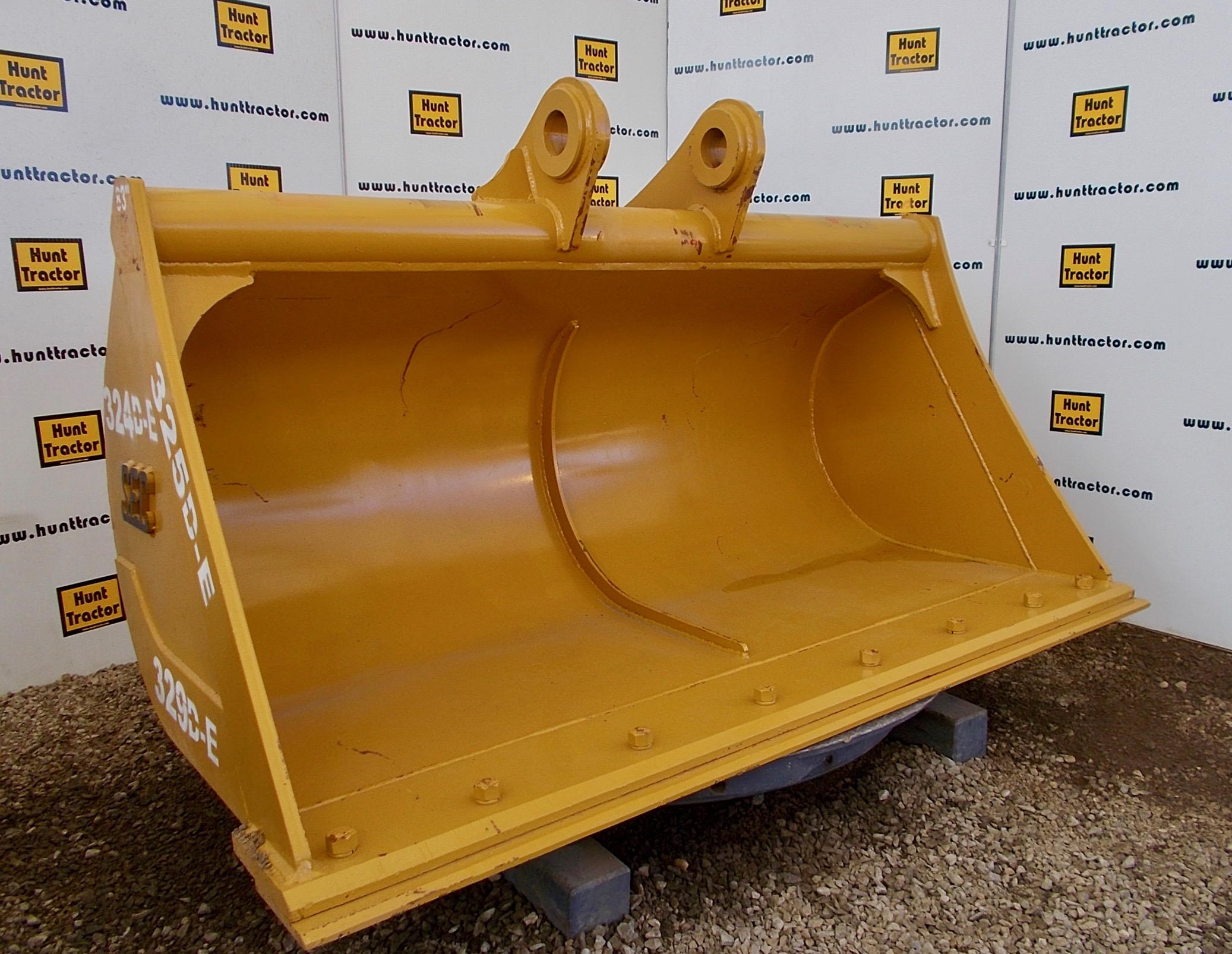 48967-85%22 Case CX240 Bucket-1