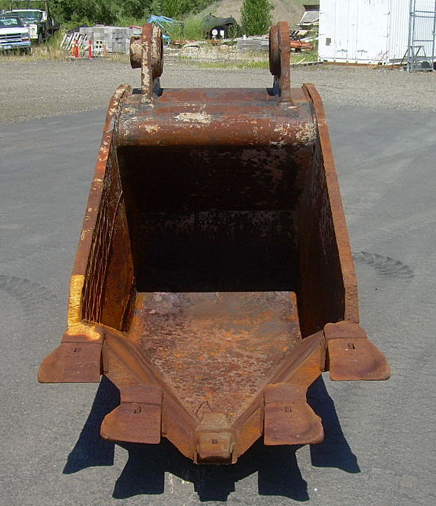 """Used 36"""" John Deere 450CLC Pin-On Frost Bucket For Sale"""